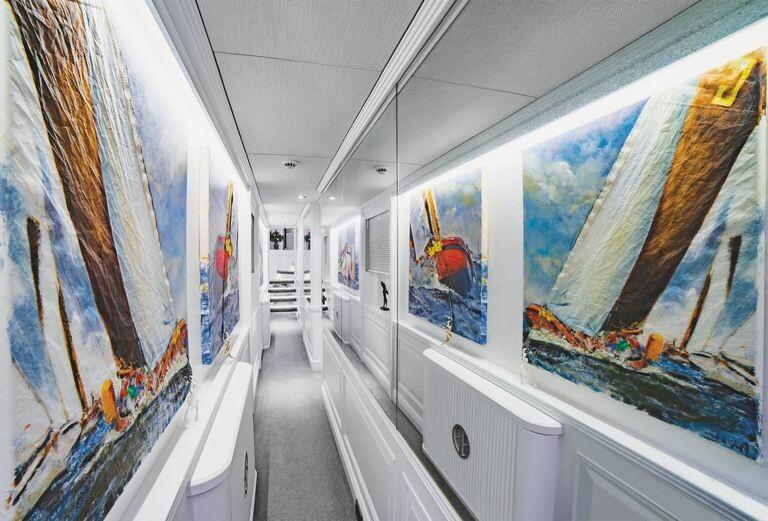modern-houseboat-for-sale-battersea-savvy-barge-battersea-knight-frank-1-1594131368