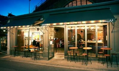 المطاعم العربية في بريطانيا..مساحة تنوع اجتماعي وثقافي مميز