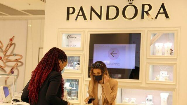 """شركة """"باندورا"""".. أكبر منتج للحلي في العالم يتخلى عن الماس الحقيقي لهذا السبب!"""