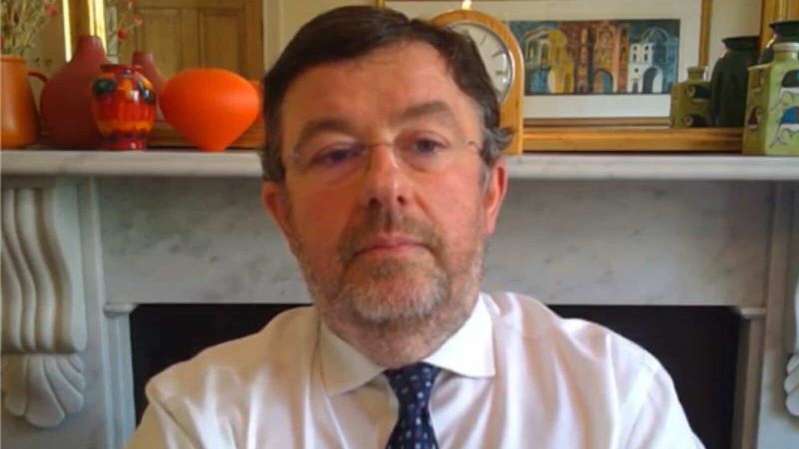 """رئيس NHS: اللقاحات """"كسرت السلسلة '' بين كورونا والمرض الخطير"""