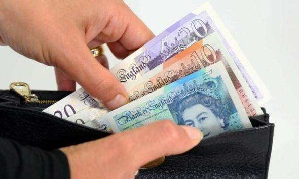 ماهي تكاليف المعيشة في بريطانيا لأسرة ؟