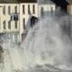 العاصفة إيفرت: رياح عاتية وأمطار غزيرة تضرب جنوب غرب إنجلترا