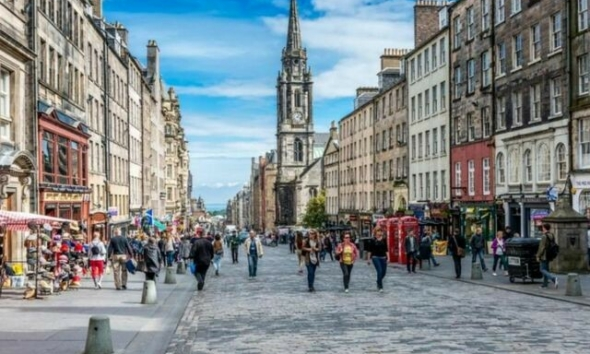 إسكتلندا تحدد موعد رفع القيود المتعلقة بفيروس كورونا