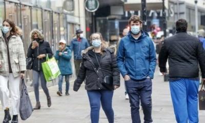 علماء يحذرون من ارتفاع حالات كورونا في بريطانيا بعد هدوء الصيف