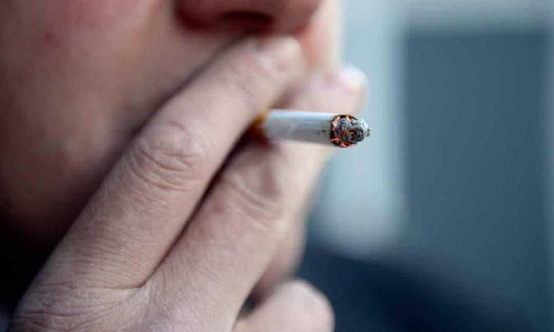 السرطان المرتبط بالتدخين ينتشر أكثر بمرتين بين الفقراء في إنجلترا