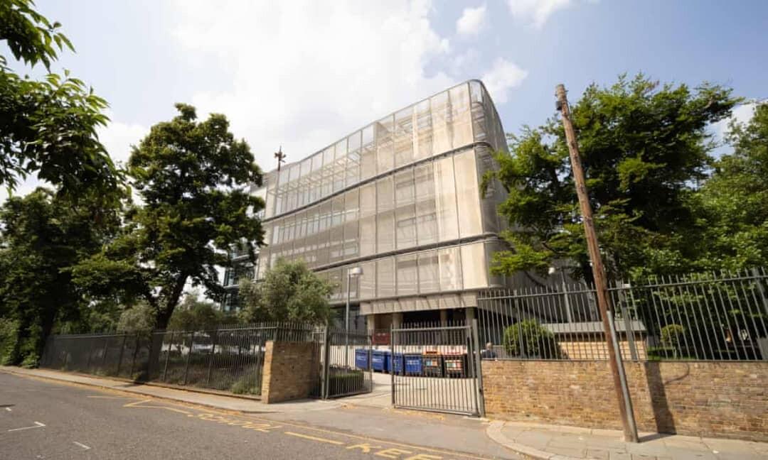 ادعاءات بوجود بيئة عمل سامة في أفضل مدرسة في لندن