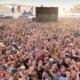 المملكة المتحدة تستعد لمواجهة انتشار كوفيد مع توجه الناس لقضاء العطلات