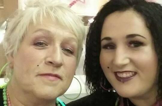 بريطانيا.. وفاة أم وابنتها بعد رفضهما تلقي لقاح كورونا