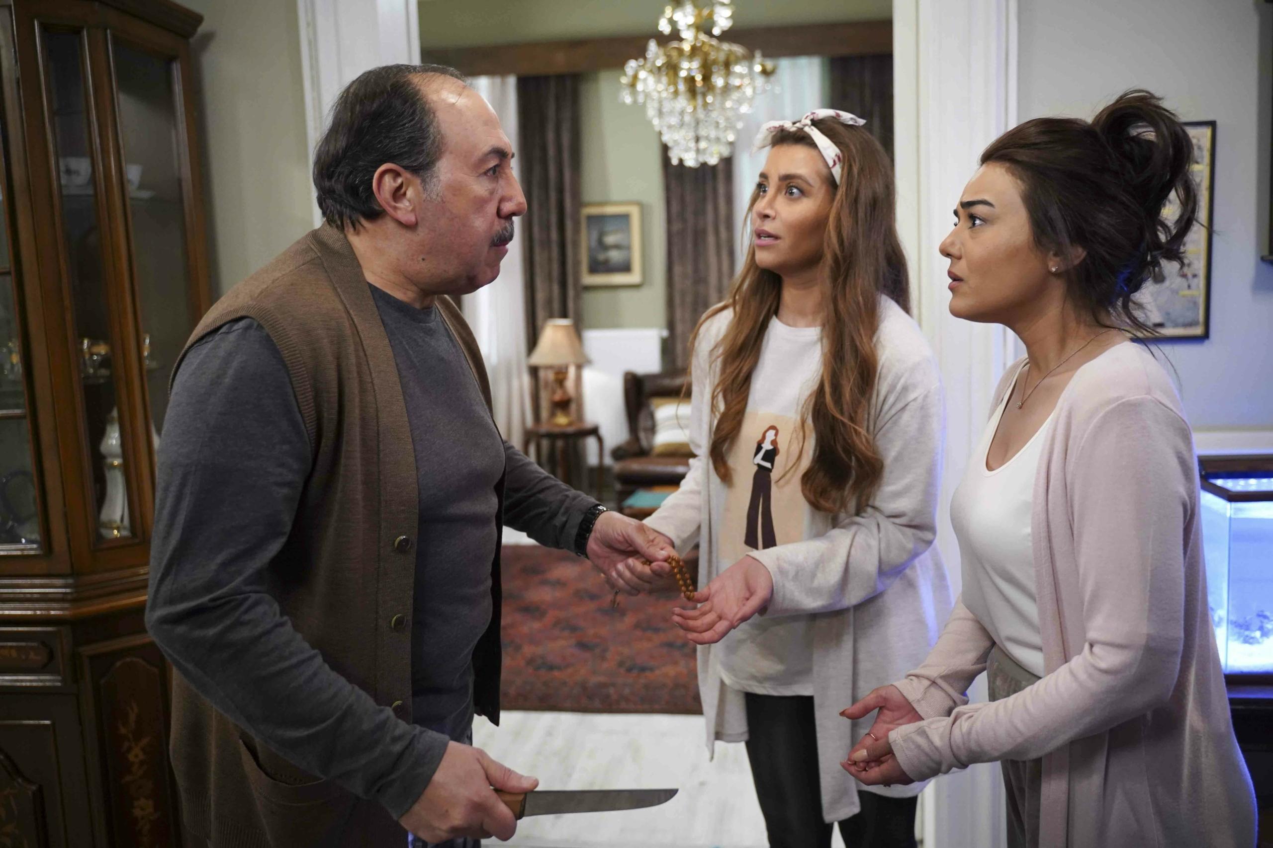 صراعات تدور في فلك الكوميديا والرومانسية وقصص الحب ضمن أحداث مسلسل ع الحلوة والمرة على MBC4