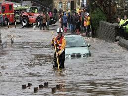 الطقس في المملكة المتحدة: تحذيرات من فيضانات مع هطول أمطار غزيرة على أجزاء من إنجلترا