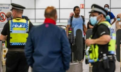 عمدة لندن يناشد الحكومة بإعادة فرض ارتداء الكمامات