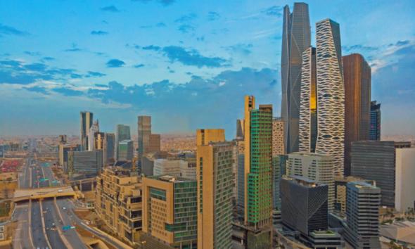 استراتيجية سعودية لجذب 100 مليار دولار سنويا
