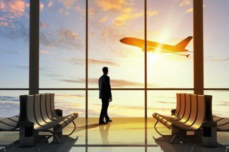 تغيير قواعد السفر الجديدة للركاب المطعمين العائدين إلى إنجلترا